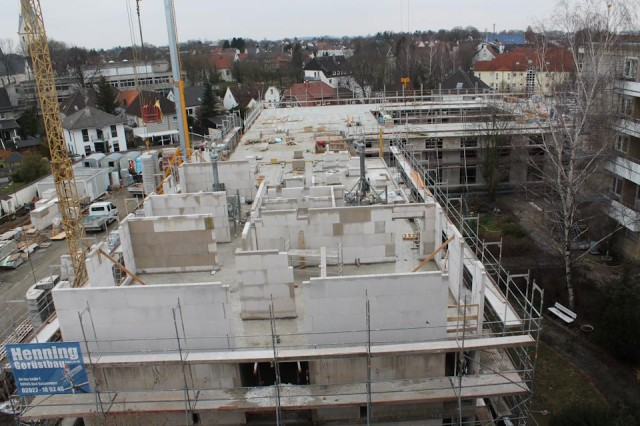 Das zweite Obergeschoss entsteht. Die Fertigstellung des Rohbaus ist für Ende März geplant.